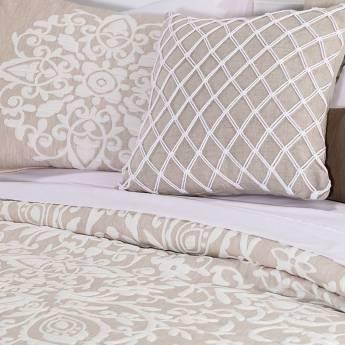 Cubrir tu cama con colchas de verano boho