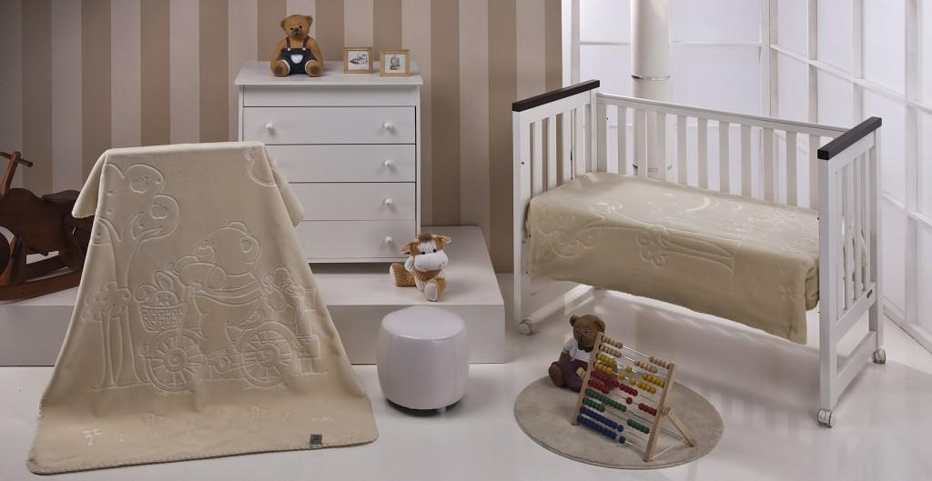Mantitas bebé COLOUR KIDS 550 Mora