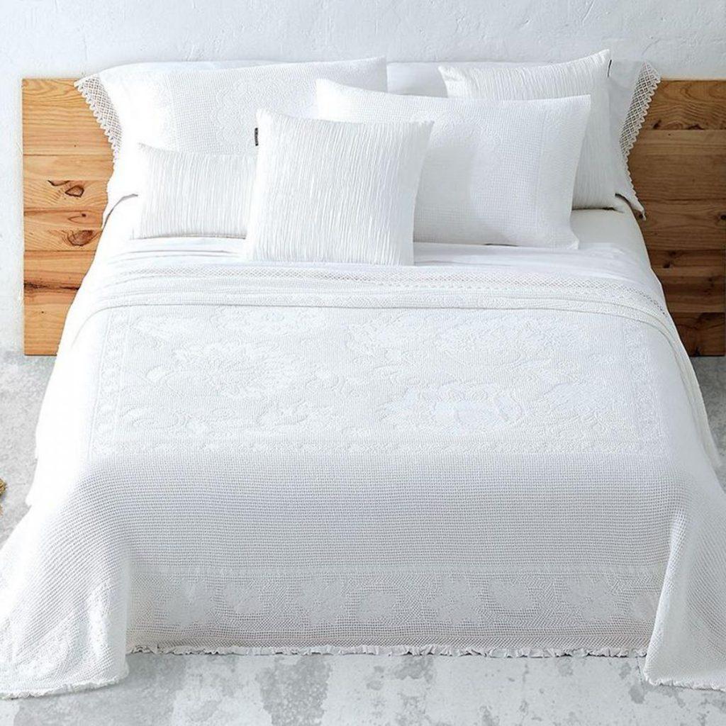 Cubre cama modelo Julieta Manterol